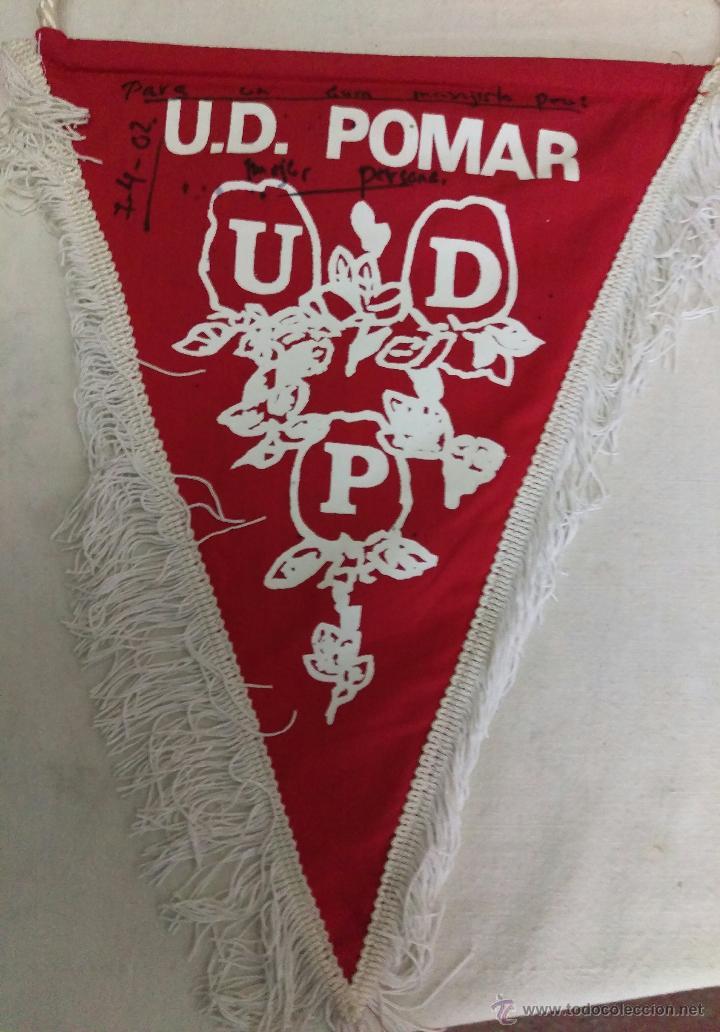 BANDERIN FUTBOL UD POMAR (HUESCA) FIRMAS AUTOGRAFOS PLANTILLA (Coleccionismo Deportivo - Banderas y Banderines de Fútbol)