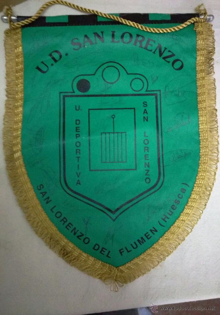 BANDERIN FUTBOL UD SAN LORENZO (HUESCA) FIRMAS AUTOGRAFOS PLANTILLA (Coleccionismo Deportivo - Banderas y Banderines de Fútbol)