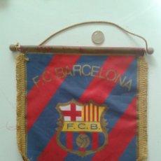 Coleccionismo deportivo: BANDERIN DEL BARÇA FUTBOL CLUB BARCELONA ESCUDO. Lote 55021484
