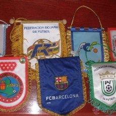Coleccionismo deportivo: LOTE DE BANDERINES DE FUTBOL AÑOS 70 BANDERÍN. Lote 55072966