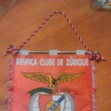 Coleccionismo deportivo: BANDERIN BENFICA CLUBE DE ZURIQUE SUIZA.FUNDADO EN 24 DE JUNIO 1997.AUTOGRAFIADO.. Lote 56491364