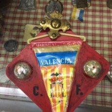Coleccionismo deportivo: CURIOSO BANDERIN DEL CLUB DE FUTBOL VALENCIA - AÑO 1919 Y 1920 - MEDIDA 16X14CM. Lote 56546111