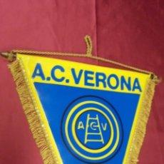 Coleccionismo deportivo: BANDERIN. A.C. VERONA. 36 X 29 CMS. A. C. V.. Lote 57980998