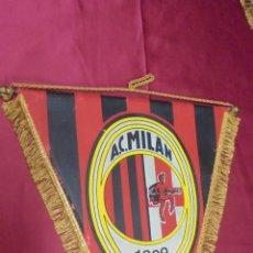Coleccionismo deportivo: BANDERIN. A.C. MILAN. 37 X 30 CMS.. Lote 57981052