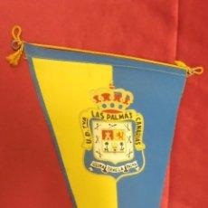 Colecionismo desportivo: BANDERIN DE TELA. U.D. LAS PALMAS. CANARIAS . 25,5 X 14 CMS. . Lote 57981556