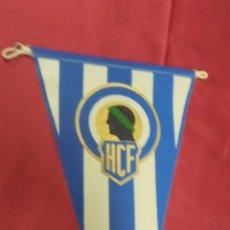 Coleccionismo deportivo: BANDERIN DE TELA. HERCULES CLUB DE FÚTBOL. 26,5 X 14,5 CMS. APROX.. Lote 58336394