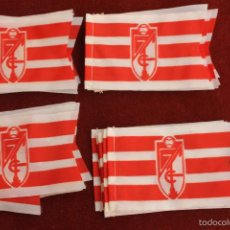 Coleccionismo deportivo: LOTE 20 BANDERINES ANTIGUOS PARA BICICLETA, CLUB DE FUTBOL GRANADA, AÑOS 70. Lote 58829711