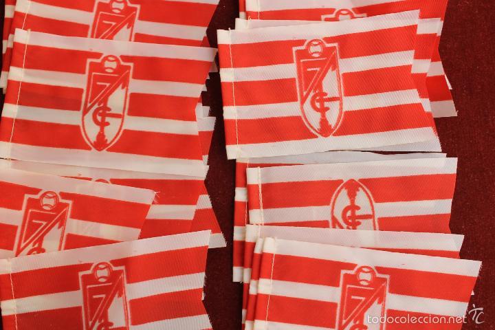 Coleccionismo deportivo: LOTE 20 BANDERINES ANTIGUOS PARA BICICLETA, CLUB DE FUTBOL GRANADA, AÑOS 70 - Foto 2 - 58829711