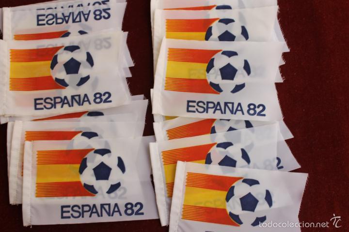 Coleccionismo deportivo: LOTE 20 BANDERINES ANTIGUOS PARA BICICLETA, MUNDIAL 82 ESPAÑA, AÑOS 80 - Foto 2 - 106576132