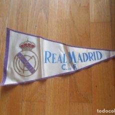 Coleccionismo deportivo: ANTIGUO BANDERIN DEL REAL MADRID, VER FOTOS. Lote 62217936