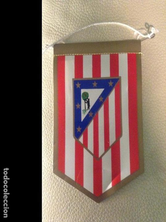BANDERÍN DEL ATLÉTICO DE MADRID, DE LOS AÑOS 70. PERFECTO ESTADO. (Coleccionismo Deportivo - Banderas y Banderines de Fútbol)