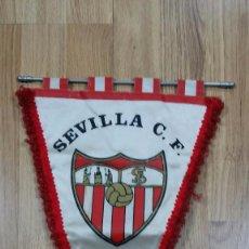 Coleccionismo deportivo: ANTIGUO BANDERÍN DEL SEVILLA. TAMAÑO 29X44 CM. PRODUCTO OFICIAL. Lote 65434523