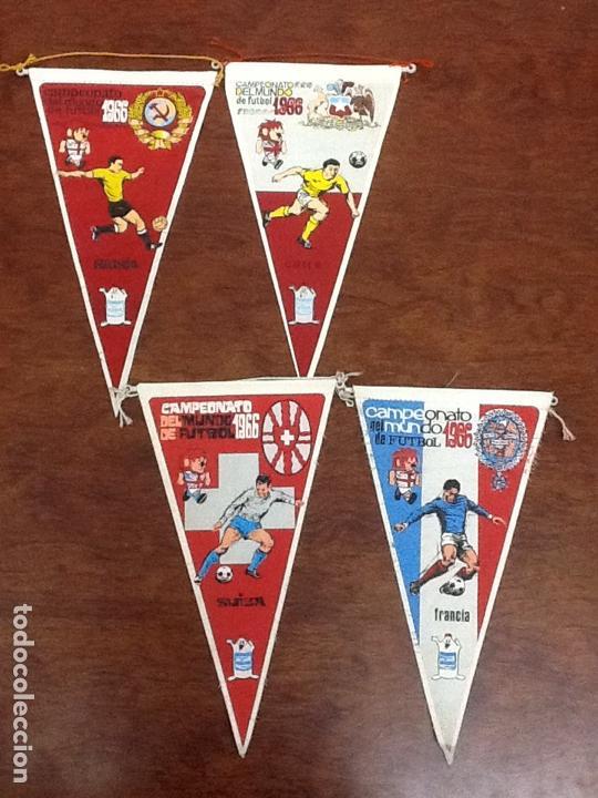 4 BANDERINES CAMPEONATO DEL MUNDO DE FÚTBOL 1966 RUSIA CHILE SUIZA FRANCIA (Coleccionismo Deportivo - Banderas y Banderines de Fútbol)