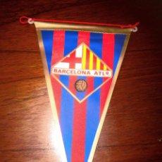 Coleccionismo deportivo: BANDERIN DEL C F BARCELONA ATLETICO ANTIGUO ESCUDO. Lote 68937121