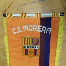 Coleccionismo deportivo: BANDERIN C.E. MORERA - FUTBOL - BADALONA ? MUY BUENOS ACABADOS ES GRUESO. Lote 69049037