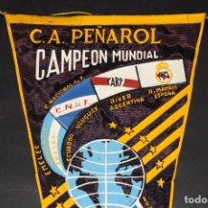 Coleccionismo deportivo: BANDERÍN CONMEMORATIVO MUNDIALITO DE CLUBES. C.A. PEÑAROL MONTEVIDEO CAMPEÓN 1966. Lote 69383553
