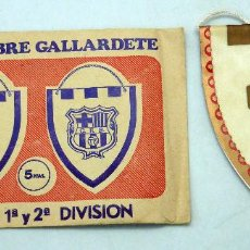 Coleccionismo deportivo: BANDERÍN FÚTBOL FC ELCHE SOBRE GALLARDETE. Lote 181728042