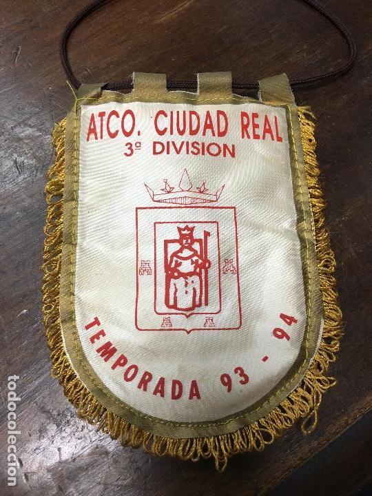 BANDERIN ATLETICO CIUDAD REAL FUTBOL - TEMPORADA 93-94 3º DIVISION - MEDIDA 14X10 CM (Coleccionismo Deportivo - Banderas y Banderines de Fútbol)