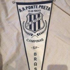 Coleccionismo deportivo: A.A. PONTE PRETA, BANDERÍN FUTBOL, PORTUGAL, FIRMADO POR DOS JUGADORES. 1978. Lote 75905363