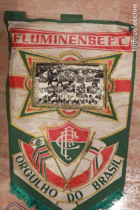FLUMINENSE F.C. MUY ANTIGUO BANDERIN DE FUTBOL, CON FOTOGRAFIA, DE GRAN TAMAÑO, 53X33 (Coleccionismo Deportivo - Banderas y Banderines de Fútbol)