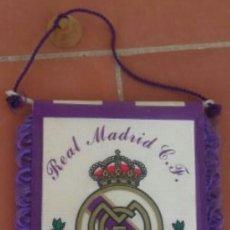 Coleccionismo deportivo: BANDERÍN REAL MADRID AÑOS 90. Lote 77335009