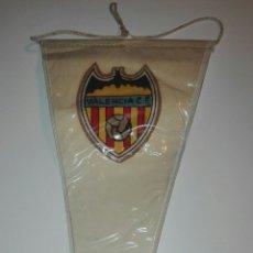 Coleccionismo deportivo: ANTIGUO BANDERIN VALENCIA C.F.. Lote 83856555