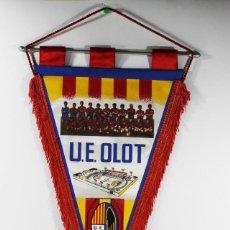 Coleccionismo deportivo: BANDERIN FUTBOL U.E. OLOT. Lote 84318968
