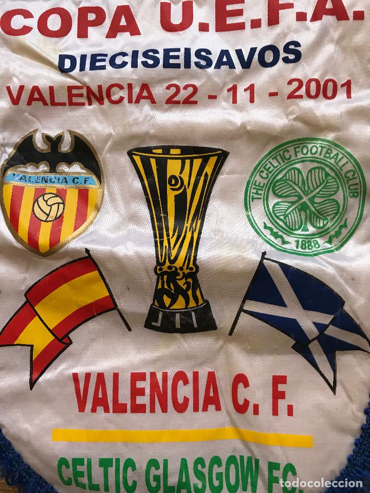 Coleccionismo deportivo: Banderín Valencia club de futbol Celtic de glasgow FC 2001 U.E.F.A UEFA - Foto 3 - 89563996
