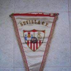 Collectionnisme sportif: BANDERÍN DE FÚTBOL SEVILLA CF. MEDIDAS 49 X 30 CM. Lote 89601180