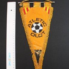 Coleccionismo deportivo: BANDERIN FUTBOL ATLETIC OLOT GIRONA. Lote 92106275