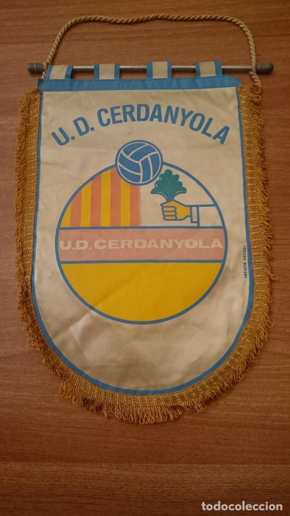 BANDERIN U.D. CERDANYOLA (Coleccionismo Deportivo - Banderas y Banderines de Fútbol)