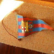 Coleccionismo deportivo: BANDERIN BARCELONA ANTIGUO. Lote 96731251