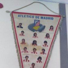 Coleccionismo deportivo: ANTIGUO BANDERIN DEL ATLETICO DE MADRID AÑOS 60-70. Lote 97266375