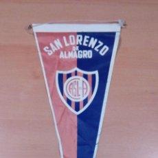 Coleccionismo deportivo: ANTIGUO BANDERIN SAN LORENZO DE ALMAGRO - ARGENTINA - VER FOTOS. Lote 98142595
