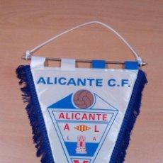 Coleccionismo deportivo: ANTIGUO BANDERIN ALICANTE CF - EN PERFECTO ESTADO - VER FOTOS. Lote 98142763