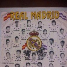 Coleccionismo deportivo: REAL MADRID PAÑUELO DE 53 X 53 EL EQUIPO DE LAS ESTRELLAS. Lote 101723871
