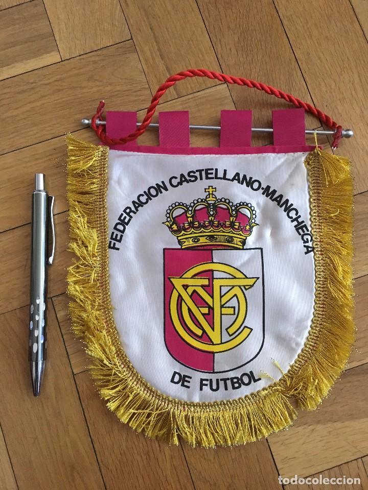 CJ BANDERIN ORIGINAL PEQUEÑO FEDERACION CASTELLANO-MANCHEGA DE FUTBOL (Coleccionismo Deportivo - Banderas y Banderines de Fútbol)