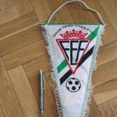 Coleccionismo deportivo: CJ BANDERIN ORIGINAL FEDERACION TERRITORIAL EXTREMEÑA DE FUTBOL FEF. Lote 102399123