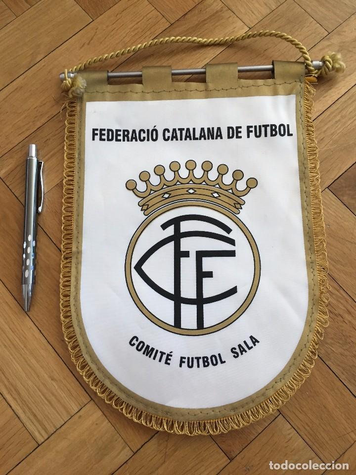 CJ BANDERIN ORIGINAL FEDERACION CATALANA DE FUTBOL COMITE FUTBOL SALA 2 (Coleccionismo Deportivo - Banderas y Banderines de Fútbol)