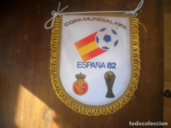 Coleccionismo deportivo: PEQUEÑO BANDERIN DE COPA MUNDIAL FIFA ESPAÑA 1982 - Foto 2 - 103562099