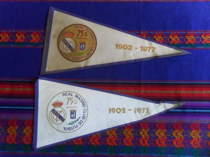 LOTE 2 BANDERÍN DISTINTO REAL MADRID 75 ANIVERSARIO 1902-1977. REGALO UNO DE 1980 CON HISTORIAL. (Coleccionismo Deportivo - Banderas y Banderines de Fútbol)