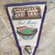 Coleccionismo deportivo: BANDERÍN REAL MADRID 1902-1972. Lote 103903995