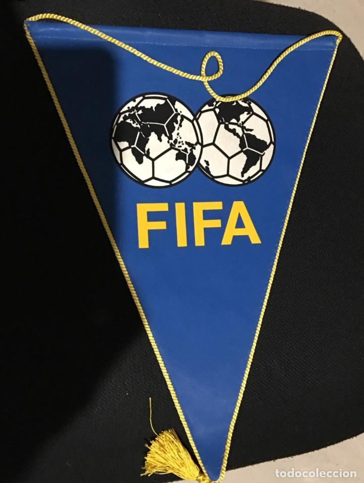 BANDERIN OFICIAL FIFA TAMAÑO GRANDE (Coleccionismo Deportivo - Banderas y Banderines de Fútbol)