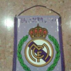 Coleccionismo deportivo: BANDERIN GRANDE REAL MADRID. NUEVO. Lote 105775156