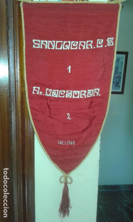 ANTIGUO BANDERIN BORDADO - SANLUCAR C.F. 1 AC. VICTORIA 2 - 14-XI-1948 - 60X33 (Coleccionismo Deportivo - Banderas y Banderines de Fútbol)