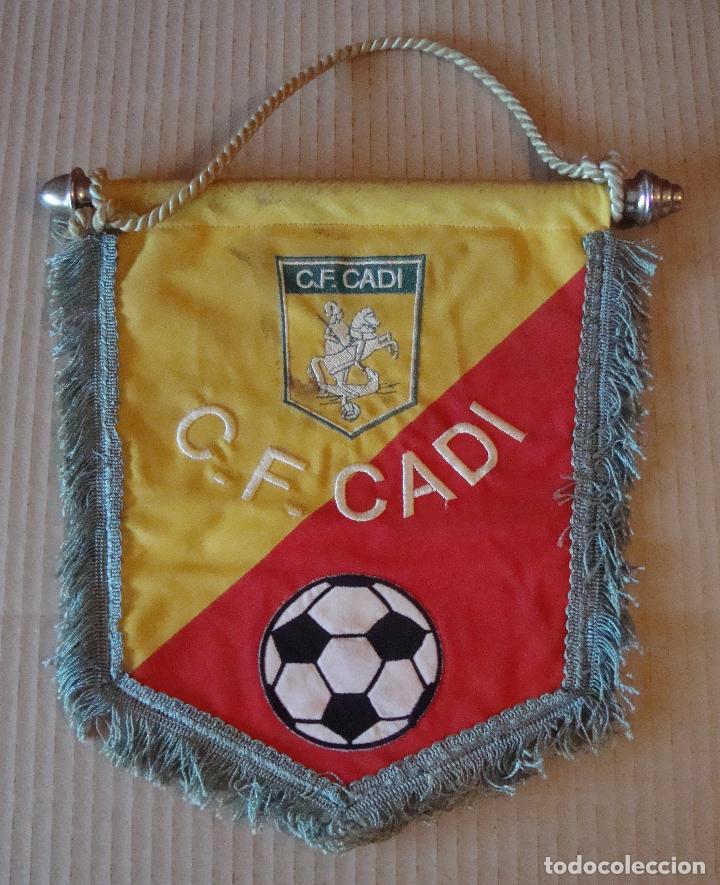 ANTIGUO BANDERIN C. F. CADI (Coleccionismo Deportivo - Banderas y Banderines de Fútbol)