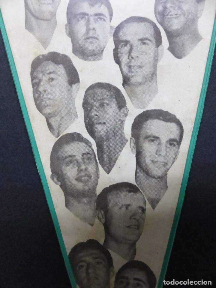 Coleccionismo deportivo: VALENCIA C.F. - RARO BANDERIN - AÑOS 1960, MUNDO, MESTRE, ROBERTO, PAQUITO, GUILLOT, WALDO - Foto 4 - 112490563