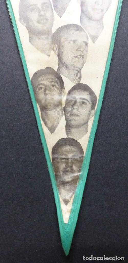 Coleccionismo deportivo: VALENCIA C.F. - RARO BANDERIN - AÑOS 1960, MUNDO, MESTRE, ROBERTO, PAQUITO, GUILLOT, WALDO - Foto 5 - 112490563