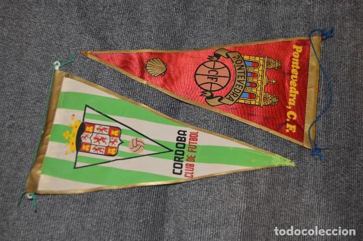 Coleccionismo deportivo: LOTE DE 13 BANDERINES ANTIGUOS - CLUBES DE FÚTBOL - ORIGINALES - BARCELONA, BETIS, MALAGA, CELTA... - Foto 2 - 112925247
