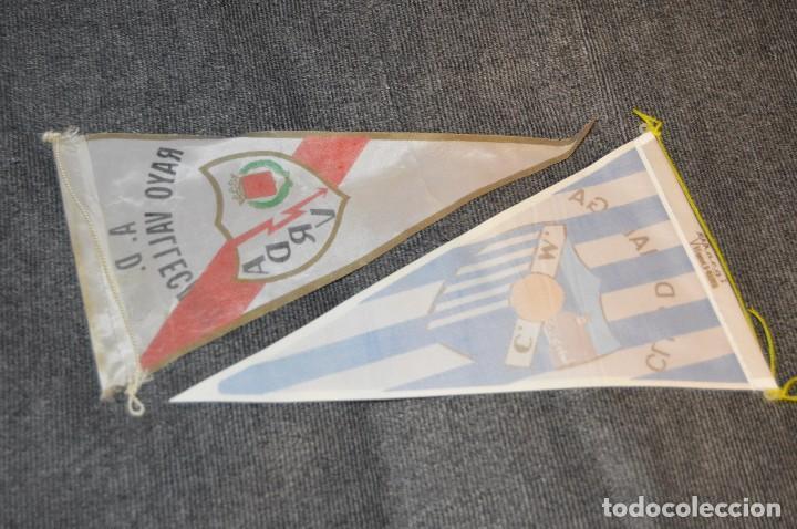 Coleccionismo deportivo: LOTE DE 13 BANDERINES ANTIGUOS - CLUBES DE FÚTBOL - ORIGINALES - BARCELONA, BETIS, MALAGA, CELTA... - Foto 9 - 112925247
